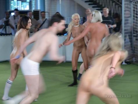 berlin live sex show nackt vor anderen